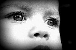 Comportements qui sont des signes de l'autisme