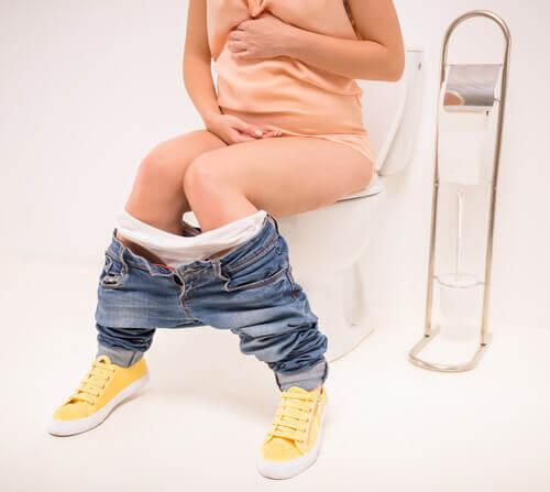 Le lavement pendant l'accouchement est une pratique qui n'est pas obligatoire et doit être réalisée avec le consentement et pour le bien de la future mère.