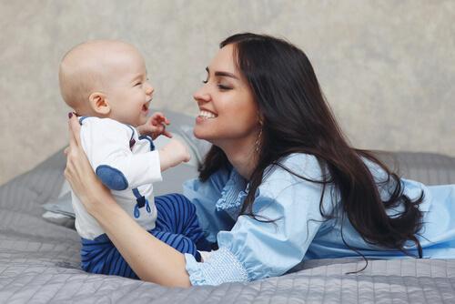 Comment stimuler l'ouïe du bébé ?
