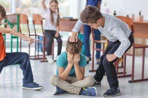L'agressivité des enfants exprime souvent un profond mal-être intérieur extériorisé par des coups et des violences.