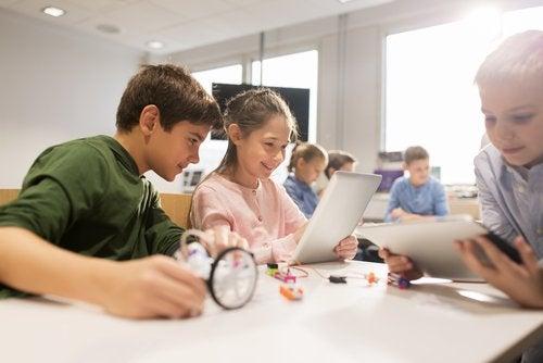 La réussite d'un élève productif dépend de nombreux facteurs qui n'ont pas tous à voir avec le fait d'étudier ou de passer tout son temps à réviser.