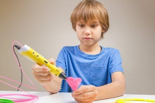 Pour apprendre aux enfants à s'estimer, il est important qu'ils apprennent de nouvelles choses.