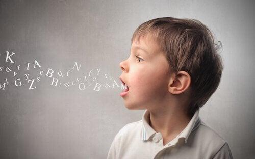 enfant ayant des difficultés à communiquer