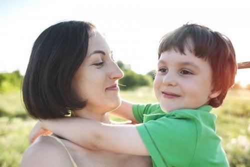 L'hyper-attachement chez les enfants : que faut-il faire ?