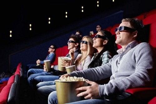 Le cinéma pour enfants soulage le stress qu'ils peuvent éprouver à l'école ou dans d'autres situations.