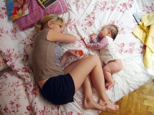 Les enfants habitués à dormir avec leurs parents depuis la naissance ont du mal à dormir seul ensuite.