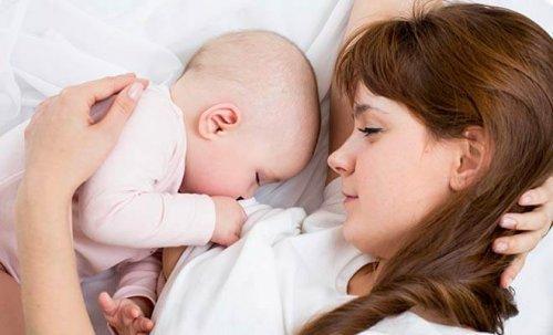 Il est conseillé d'allaiter la nuit car cela active la production du lait maternel.