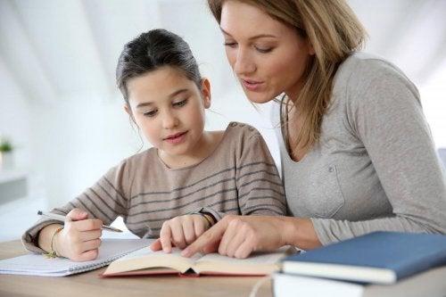 La motivation scolaire doit faire partie de chaque élève et doit être incitée par les parents et les enseignants.