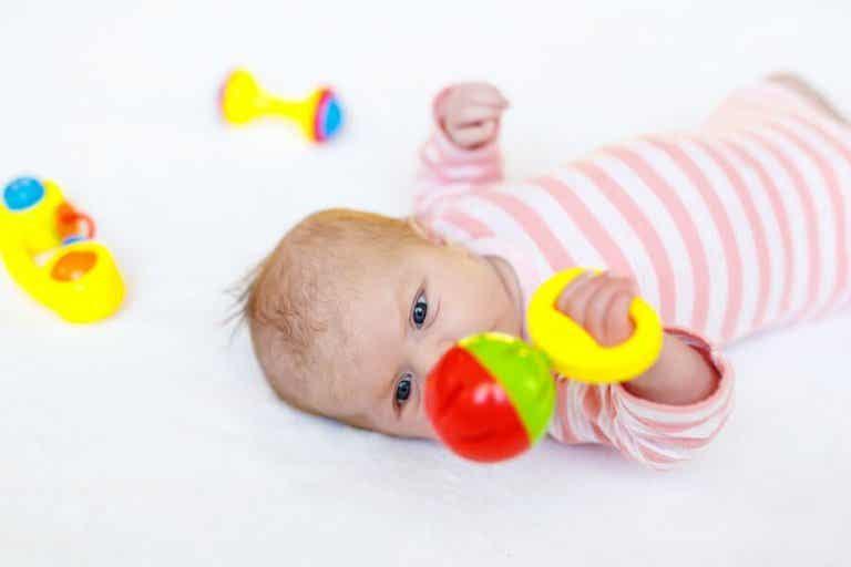 8 jouets pour nouveau-né