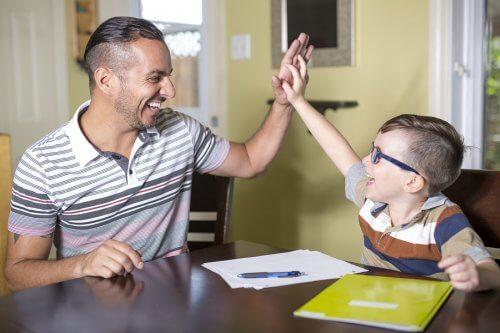 Être un élève productif dépend aussi de l'attention et de l'amour que l'on reçoit de la part des parents.
