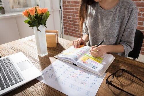 Être mère et étudier en même temps demande une organisation et une discipline sans failles.