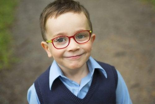 des lunettes contre l'astigmatisme