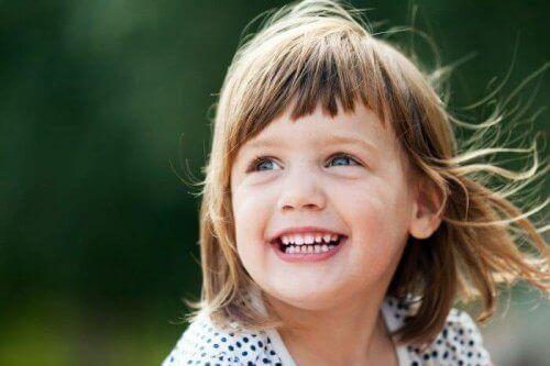 Aider un enfant à se sentir bien n'est pas une chose facile mais avec de l'amour et des expériences, le but peut être largement atteint.