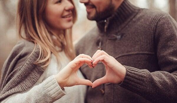 Le couple idéal a des traits en communs avec celui que forment les parents.