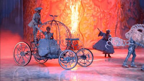 Les spectacles qui auront lieu dans le monde entier font parties des événements célébrant les 90 ans avec Mickey Mouse.