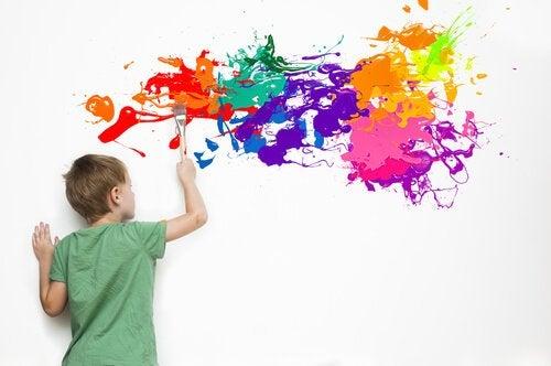 Les enfants surdoués sont souvent très créatifs dans les activités plastiques mais également les jeux et la manière de penser.