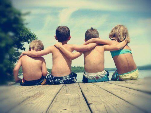 enfants élevés dans l'égalité