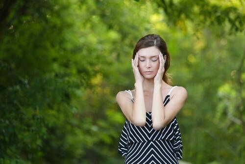 Une vie sans stress et sans substances nocives font partie des habitudes favorisant la fertilité.