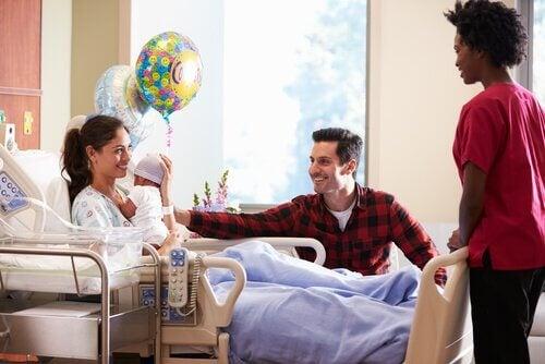 8 conseils pour aller visiter un nouveau-né à l'hôpital