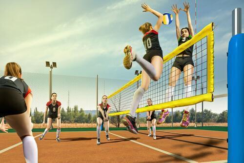 Des jeunes jouent au volley