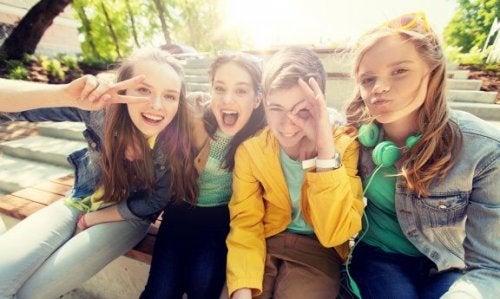 La popularité et l'adolescence
