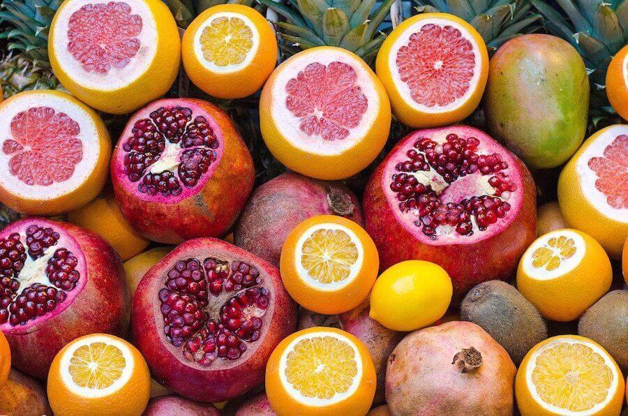 Les agrumes font partie des aliments indispensables pour renforcer le système immunitaire.