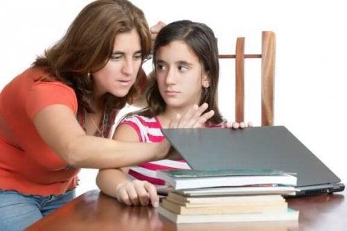Comment surmonter le contrôle excessif des parents ?