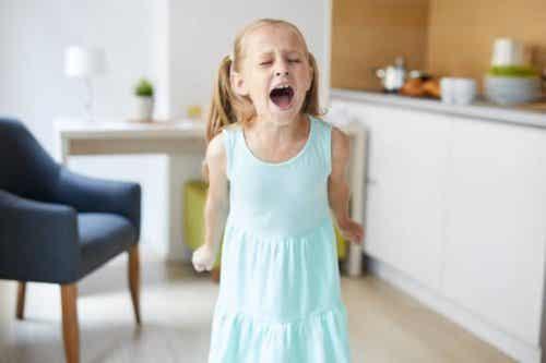 Mon enfant est très agité : que dois-je faire ?