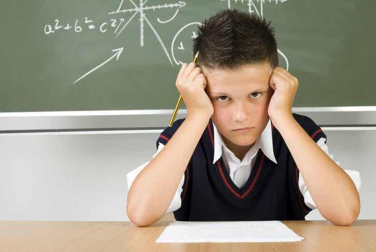 Mon enfant ne veut pas aller à l'école : que faire ?