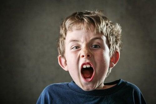 Un enfant qui crie