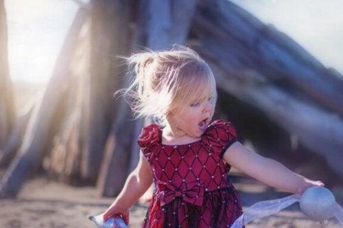 Pourquoi les enfants crient : comment agir ?