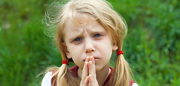 Apprendre à pardonner aux enfants évite qu'ils entretiennent de la rancune en eux.