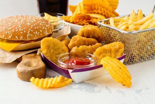 Le cholestérol infantile peut se combattre grâce à une alimentation saine et un peu d'exercice.