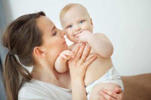 A quoi est due l'indescriptible odeur du bébé ?
