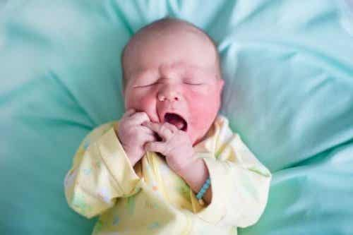 Comprendre les plaques sur la peau des nouveaux-nés