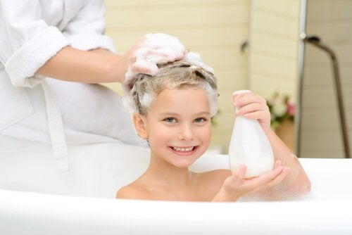 bain chez les enfants