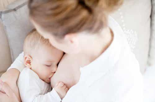 Le sevrage de nuit : apprendre au bébé à dormir la nuit