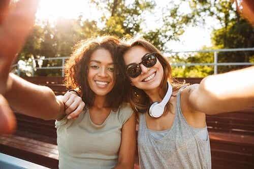 L'importance de la popularité pour les adolescents
