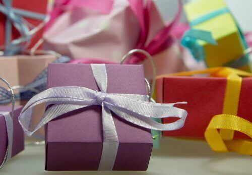 cadeaux de Noël pour décorer une chambre