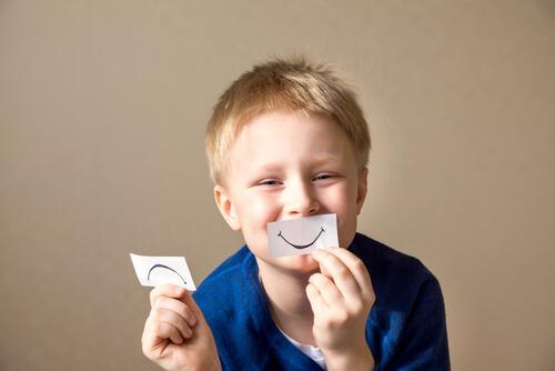 4 activités pour stimuler la connaissance de soi chez les enfants