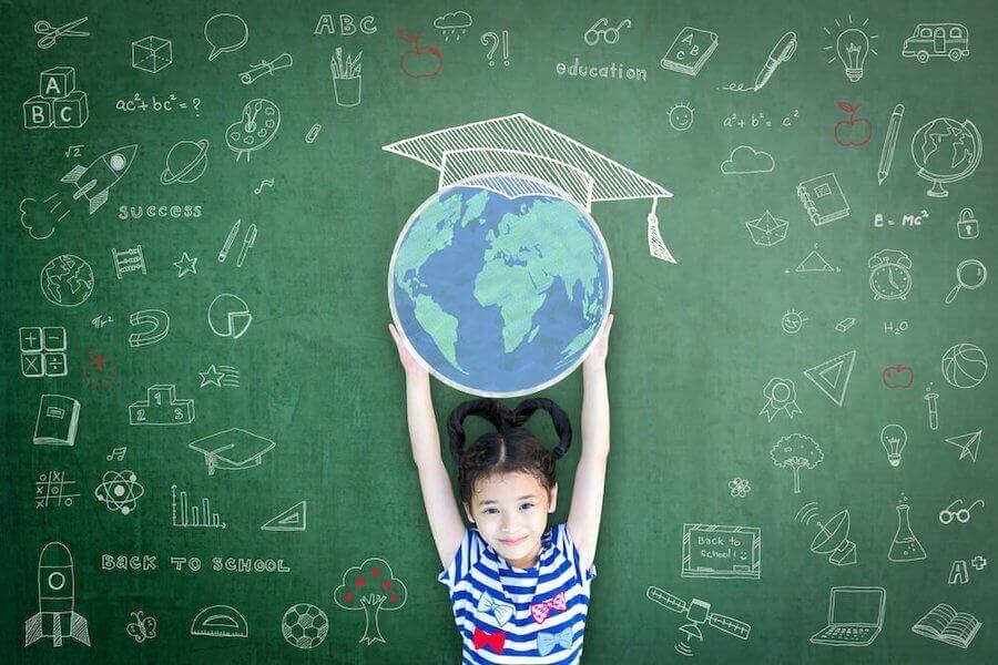 Pour un bon développement, il est primordial d'enseigner la tolérance aux enfants.