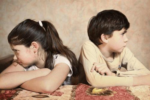 Mes enfants se disputent tout le temps : que faire ?