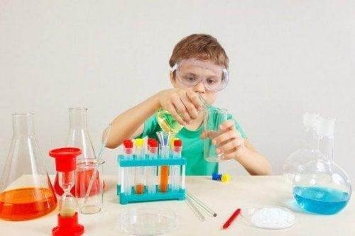 4 expériences scientifiques pour les enfants