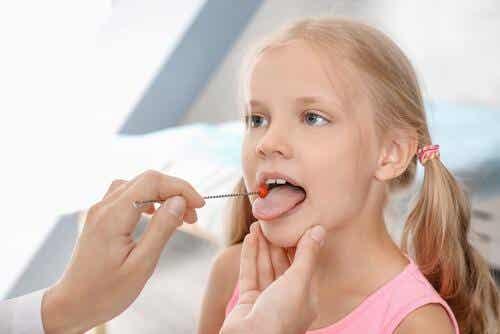 La dysarthrie infantile : symptômes et traitement