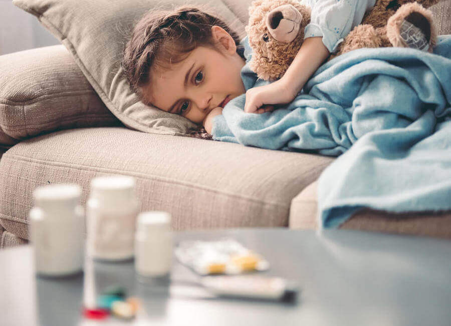 L'une des difficultés pour donner des médicaments aux enfants est que l'affaire finit pas devenir une contrainte.