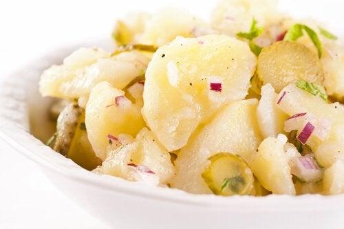 Les recettes avec des pommes de terre sont riches en nutriments essentiels pour le développement des enfants.