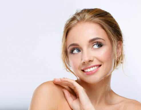 Le secret des mamans fatiguées : se maquiller en quelques minutes