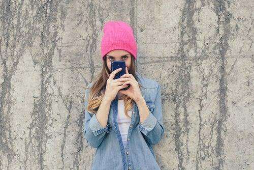 L'adolescence tardive est compriseentre 16 et 19 ansenviron.