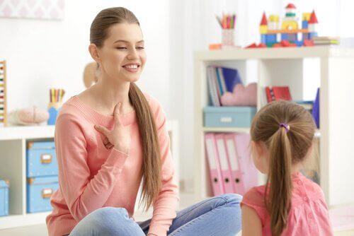 La mauvaise prononciation des enfants peut être accompagnée avec l'aide d'un professionnel.