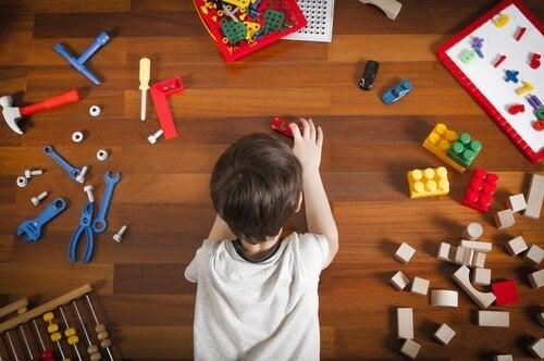 Il existe de nombreuses idées pour organiser la salle de jeux des enfants.